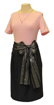 Obrázek Variace belaroma růžovo-šedá - tričko krátký rukáv s lodičkovým výstřihem, balonová sukně, mašle stříbrno-šedá